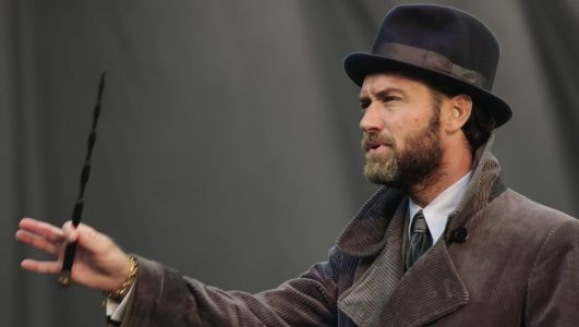 How Jude Law was cast as a younger, hotter Dumbledore in 'Fantastic Beasts: The Crimes of Grindelwald'