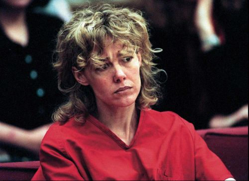 Mary Kay Letourneau, the teacher who wou plead guilty in the 90s to raping her underage student, dies