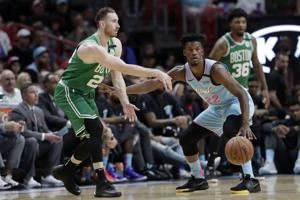 Hayward scores 29, Celtics hold off Heat 109-101