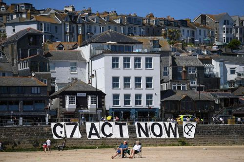 Experts say UK is losing race to adapt to climate change
