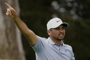 Jason Day continues recent improvement with early PGA lead