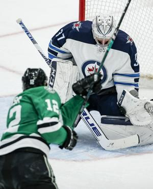 Pavelski scores on power play in OT, Stars beat Jets 3-2