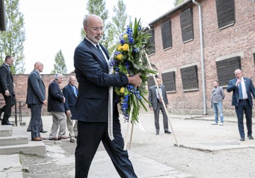 Memorials for Tree of Life victims established abroad