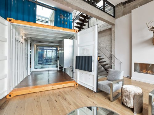 A former tooth powder warehouse in San Francisco is now a $5.5 million home partially made of shipping containers - see inside